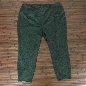 Torrid active Green cropped athletic leggings